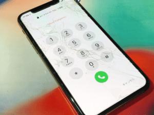 iphone11pro,画面修理,アイフォン,バッテリー交換,画面割れ,zoom,水没,山梨,甲府